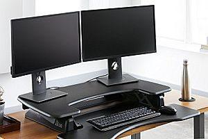 Abbildung: Steharbeitsplatz für zwei Monitore