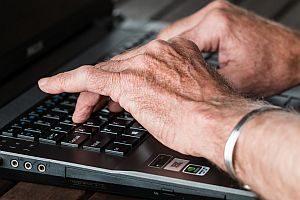 Seniorentelefon & Co. - technische Hilfsmittel für ältere Menschen