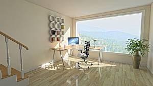 Viel Sonnenlicht im heimischen Büro