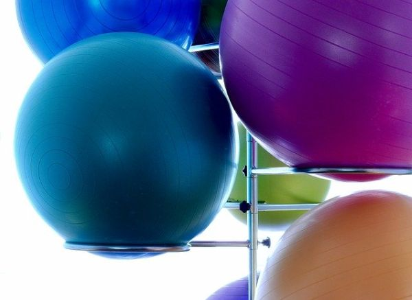 Farbige Gymnastikbälle